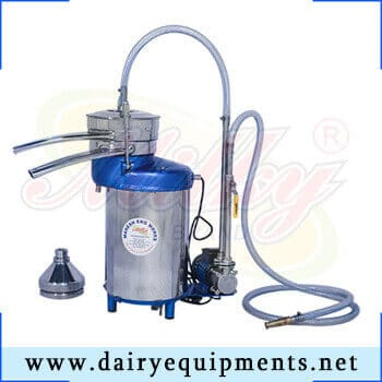 The cream separator offered by us is used to extract cream from the milk. It works on centrifugal force and allow accurate and smooth functioning.